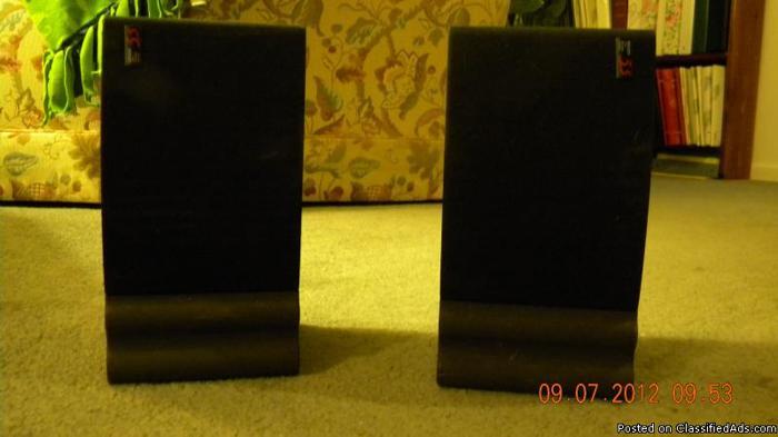 2 small Denon Speakers - Price: 50.00