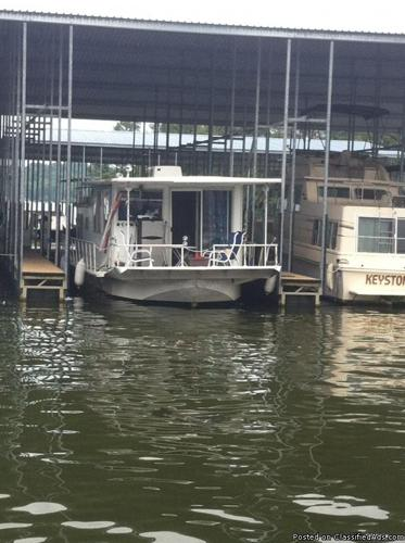 42 foot Coleman Sailing house boat for sale.