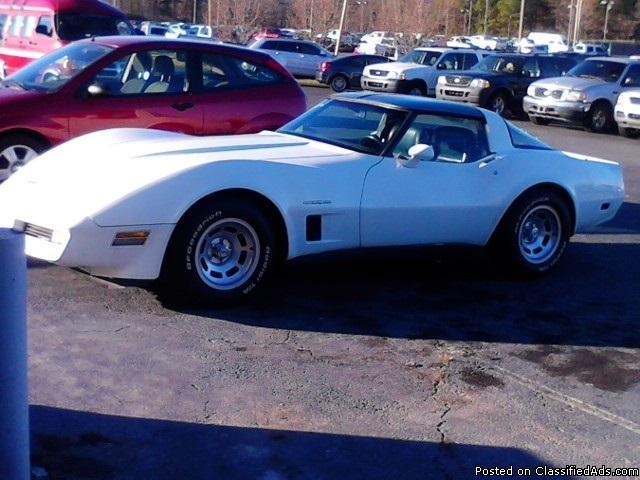 corvette 1982 5.7L 350cc automatico 85,000 millas originales necesita algunos arreglos