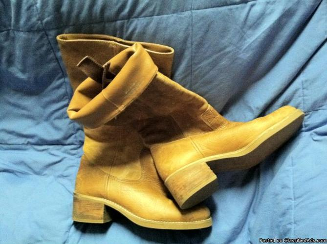 GREAT Pair of Boots--size 9&1/2 - Price: 20.00