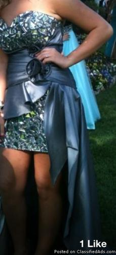 High low prom dress.