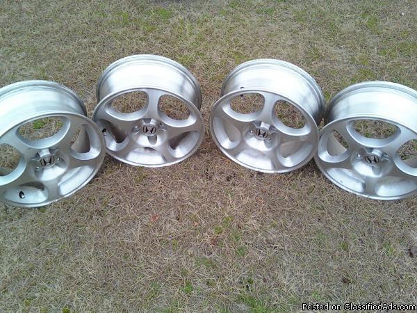 Honda Civic Alloy Wheels - Price: 500.00