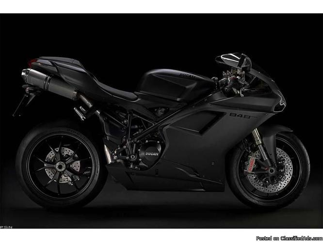 Pre-Owned and Pristine Ducati 848 EVO - Price: $12,500