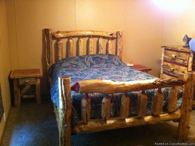queen log bed red cedar - Price: $325