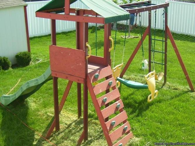 Swing Set with tower - Price: Free - You haul