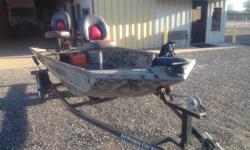 15 X 48 XPRESS 48' Bottom E/S 25 HP Mercury foot control TM Ranger Seats Good Cond Newport 870 926 9713