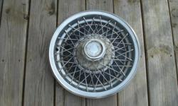 (1) VERY NICE 1979-80 Monte Carlo WireWHEELCOVER  IF THIS IS NOT WHAT YOU ARE LOOKING FOR BUT YOU ARE IN NEED OF A DIFFERENT HUBCAP/WHEEL COVER CONTACT ME,I HAVE MANY USED DIFFERENT BRANDS/STYLES IN STOCK.