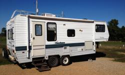95 coachman 25ft camper. Gooseneck with one slide out. Everything works. 4 new tires for more info call 501 664 7274