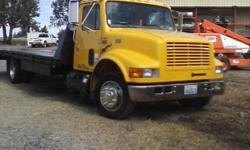 Hydraulic Dove Tail, 20Ft bed, A/C, 101,330 Miles. If interested call 541 545-3603