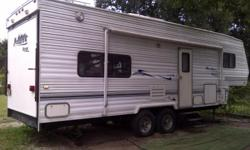 Individually owned, Looks great, Rear hinged door/Ramp, Everything works, Well made 2001 Wanderer by Thor Fifth Wheel Toy Hauler, This has a clear title and ready to go. Refrigerator / freezer, Stove/Oven, Microwave. Two Couch's that can be turned into