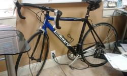 2006 scott speedster 9 speed great condition. black and blue color