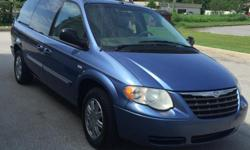 Price listed is approximate weekly payments This van is loaded! Remote side and rear doors. Third row seats No credit needed! Priced to sell.