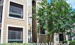 This is a updated and remodeled 3rd floor condo with 2 bedrooms, 1 bath in the Regency Gardens community, located just off Pershing Ave and South Semoran (436) and convenient to local schools, shopping and dining establishments and just minutes from the