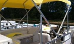 2010 18ft Avalon Pontoon boat Yamaha 40LA motor / 15 hrs like new fish finder, life jackets, paddles, AM/FM radio,2anchors included