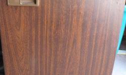 woodgrain finish bar fridge, excellent condition, hardly used.