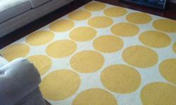 Pottery Barn 8 x 10 wool rug. Rug is in excellent condition, it was only used a few months.