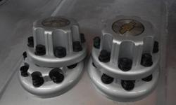 Brand new one set of chevrolet express 3500 hub cap (2 frontand 2 rear) from 2010 to 2012.See the pictures,also we have more if need send email.Shipping not include