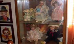 """Light Oak and Glass China Hutch with lighting H76""""D13""""W32"""" Ideal for showcasing collectables Price Negotiable"""