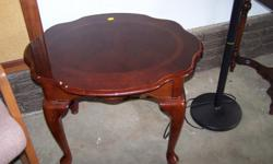 i have coffee table in very good condition asking 10 dollars