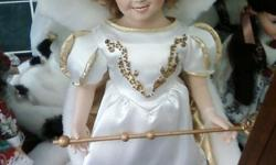 Shirley Temple,Holiday Barbies,Storybook Dolls,Mdme. Alexander, many others.Most are from the Franklin,Danbury Mints & Bradford Exchange. Must see to appreciate! Prices vary; CASH ONLY, PLEASE. Contact us @ (352)686-5617. Thanks!