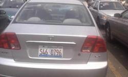 se vende carro honda civi de 4 puerats a 4000$ puede llamar 7736304622