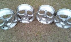 """Honda Civic Rims. """"15 inch"""" For 02-05 Honda Civics. Rims are in great condition, have beenkept in storage."""