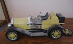 Jim Beam 1914 Stutz Bearcat decanter, back spare tire has fallen off, but is available and can easily be reattached. Very cute and a nice addition to your collection.