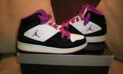 jordan shoes black and purple in good condition