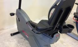 """ASK FOR MIGUEL!! Stop By our Showroom in Longwood to see and test The Equipment!!! MONDAY - FRIDAY 9am-5Pm 405. N HIGHWAY 17-92 LONGWOOD,FL 32750 Brand Life Fitness Model 9500HR Life Cycle Type Recumbent Bike """"COMMERCIAL"""