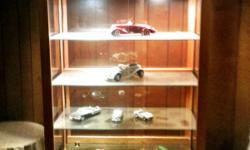 Lighted Oak Jewelers Display Case  W/4 Glass Shelves & 2 Jewelers bulbs