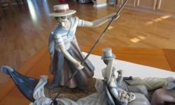 """Oneof the most sought after large LLadro Pieces - """"In the Gondola"""" #N7567. This piece is approzimately 31"""" long and 15"""" tall and 6"""" thick. This piece is mint. This is a centerpiece for any room - and lovely to look at."""