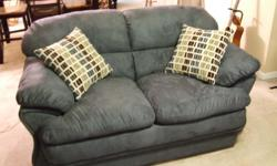 Love Seat, color Ocean Blue, w/pillows, stain protected. Matching Sleeper Sofa also available (See other ad).