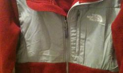 Womens North Face jacket, in great condition. please call or text 706-220-4184