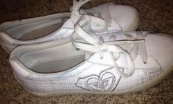 Gently used...very cute Roxy shoes!!