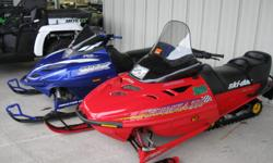 1998 Ski Doo Formula 500 Deluxe, Electric start, reverse, brand new track, newer ski's, extra single seat, runs great Call us at 231-276-9910