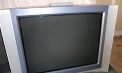 "37 "" Sony Trinitron Wega Big Screen tv. Large unit. Great Picture. Call 702-415-5962 Cell 801-671-3210"