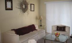 2 bedroom, one bathroom condo. Great location!