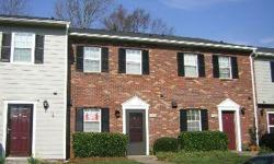 Brown & Glenn Realty Co. has a great townhouse for rent in Heathstead Place, located minutes from South Park Mall - across from the Harris YMCA! Off of Quail Hollow Road & Sharon Road, near Carmel Rd. 2 bedrooms, 1.5 bathrooms, and over 1,000 square feet.