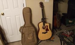 Taylor 110ce Acoustic/Electric Guitar w/case. Like new condition.